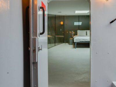 entrance 1st bedroom